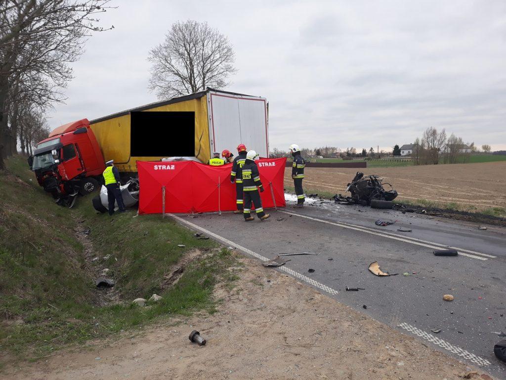 Ogromny Tragiczny wypadek w Mariankach. 27-latek zginął na miejscu. BMW SR23